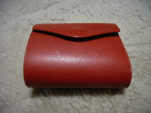 真っ赤なお財布