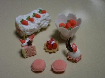 粘土で作る「春の苺づくし!」
