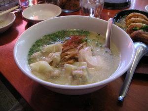 エビワンタンラーメン(塩スープ)