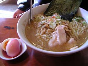 うめ玉ラーメン(塩鰹スープ)