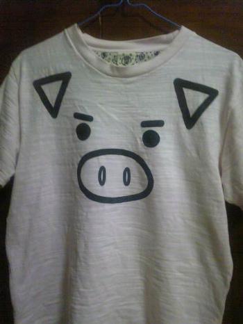 ブタさんの顔柄Tシャツ